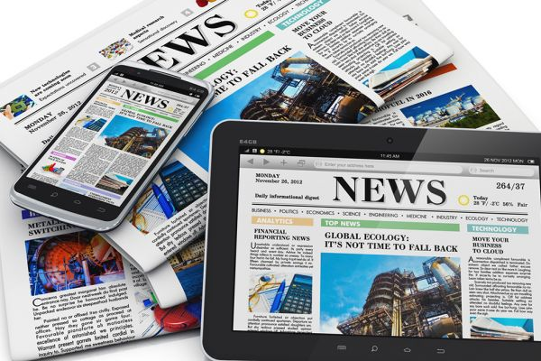 news-outlets-paper-tablet-phone-internet-newspaper