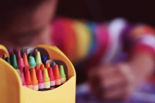 crayons-coloring-child