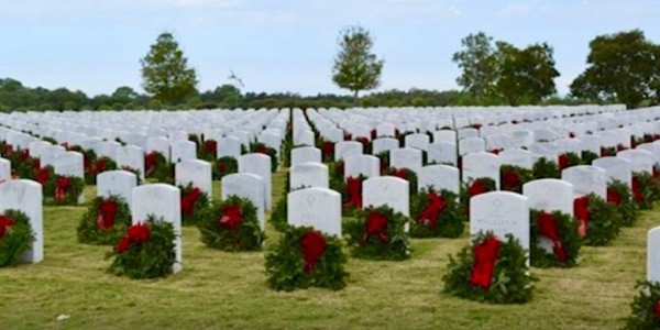 Photo: Wreaths Across America at Sarasota National Cemetery